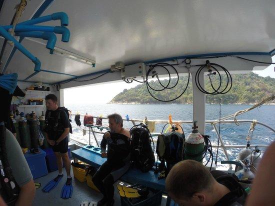 Oktavia Dive Center: Dive deck