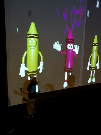 Crayola Experience: making crayons magically move