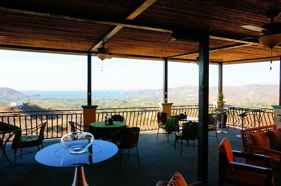 Hotel Chantel: On the top like at home! Modern TV and Soundsystem with good music & perfect view