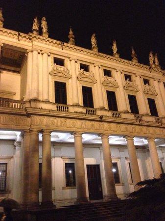 Basilica Palladiana : Di notte