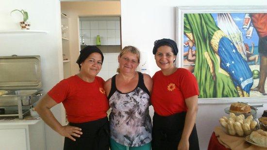 Pousada Joao Fernandes: las cocineras con mi esposa