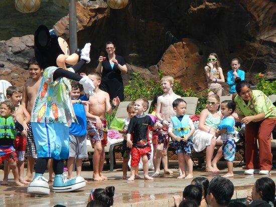 Aulani, a Disney Resort & Spa: pool party