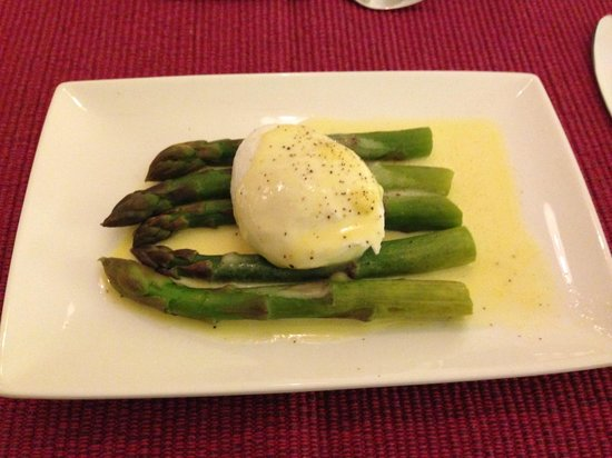 Maison Laurent: Poached Egg with Asparagus