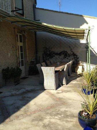 Maison Laurent: Terrace