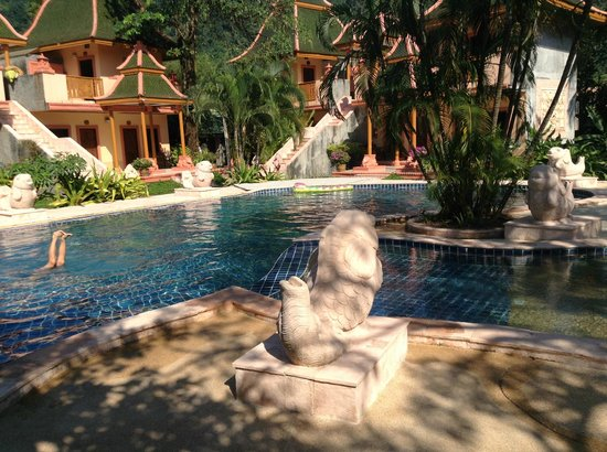 Coconut Beach Resort: Poolen