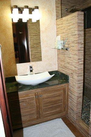 Hotel Buena Vista: Bathroom