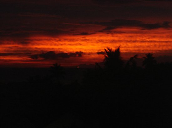 Unforgettable sunset view from the Amangalla Hotel's top floor lounge in Galle