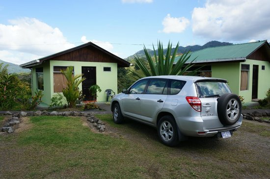 Hotel Castillo del Arenal: Bungalow/Parking