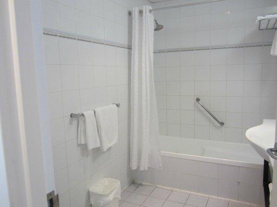 Novotel Rotorua Lakeside : Junior suite- bathroom