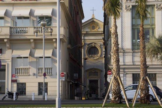 Mercure Nice Marché aux Fleurs: Отель и Опера