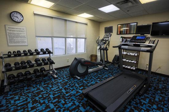 Fairfield Inn & Suites Lexington Berea: Fitness center