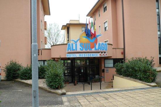 Ali Sul Lago Hotel Residence: Ingresso hotel
