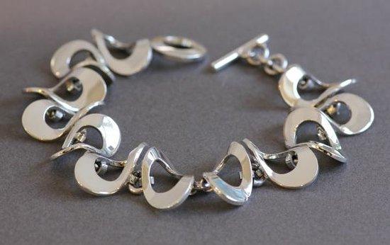 DeLong Studio: Wavy bracelet
