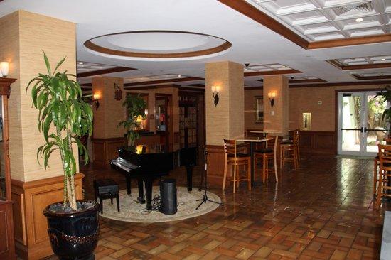 Riverside Hotel: Lobby