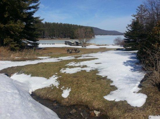 Inn At Deep Creek : Lake View
