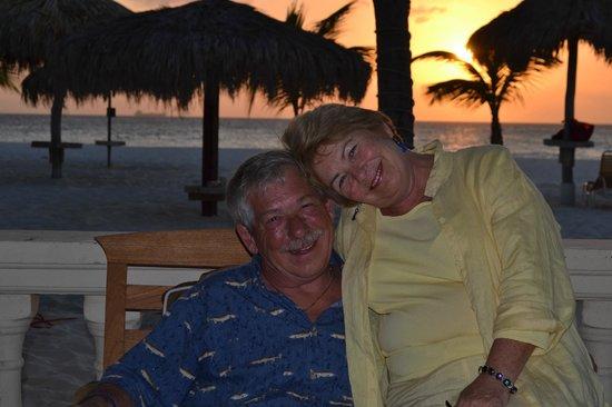 Manchebo Beach Resort & Spa: Romantic Sunset