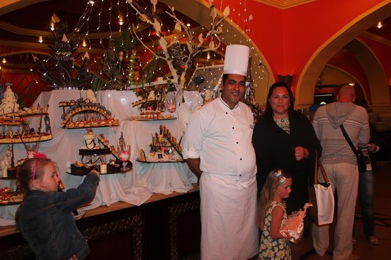 Domina Coral Bay Oasis: Best chef in Space Restaurant