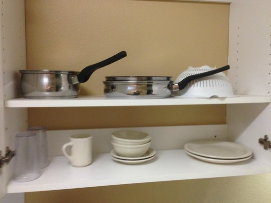 Extended Stay America - Seattle - Lynnwood: Included Cookware