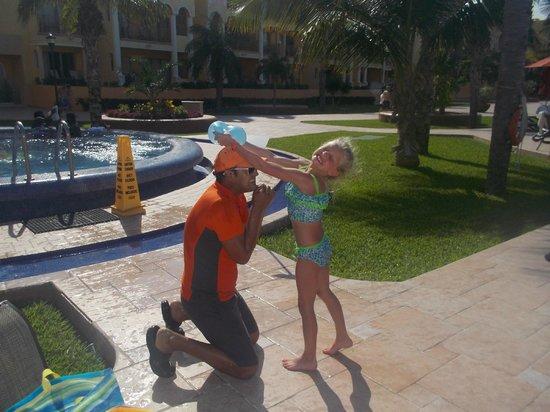 The Royal Haciendas All Suites Resort & Spa: Pool fun