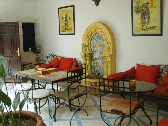 Riad Abaca Badra: Seating Area 1st Floor