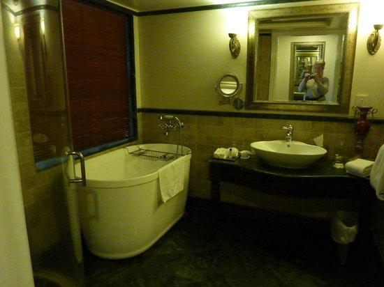 Tuli Imperial : Bathroom