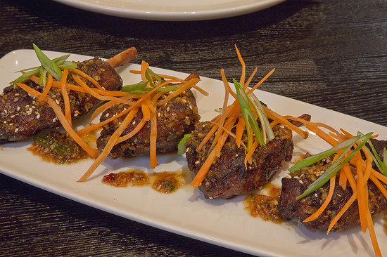 Rafters Restaurant and Lounge: Schezwan Pig Wings at Rafters Bar