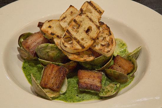 Rafters Restaurant and Lounge: Clams with Pork Belly