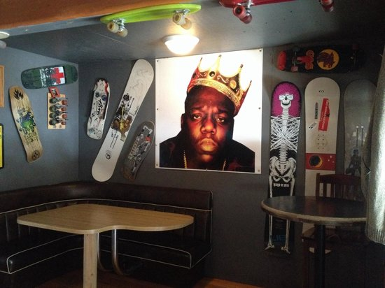 Riverhouse tavern : Biggie
