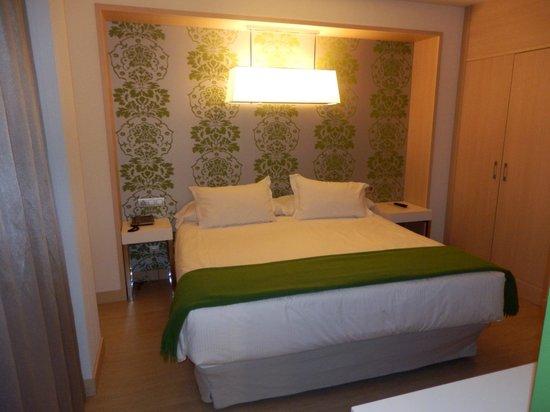 Double Tree Hilton  Hotel Girona: Cama de matrimonio