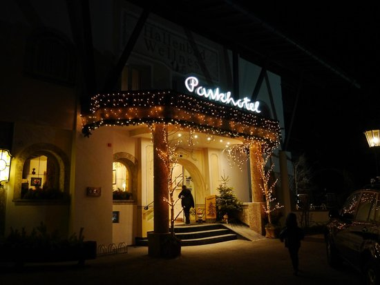 Parkhotel Seefeld: Main enterance