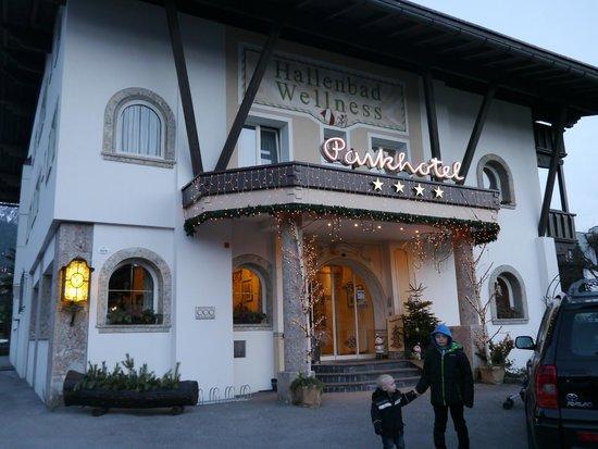 Parkhotel Seefeld: Enterance