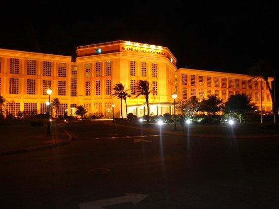 Hesperia Isla Margarita: HOTEL DE NOCHE