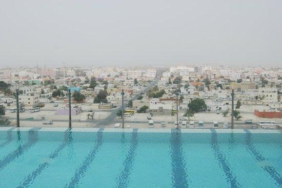 Nassima Royal Hotel: The infinity pool