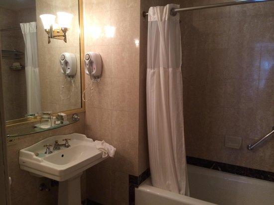 Avalon Hotel : Salle de bains