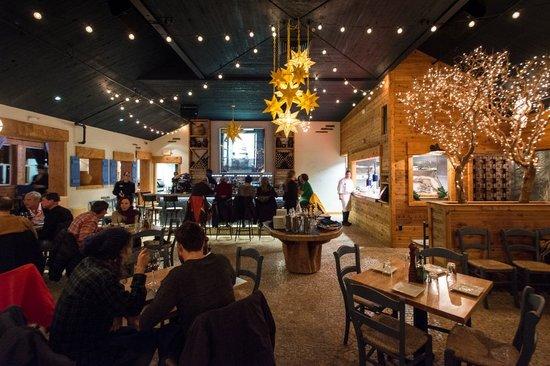 Jimmy's Taverna: Dining at Jimmy's