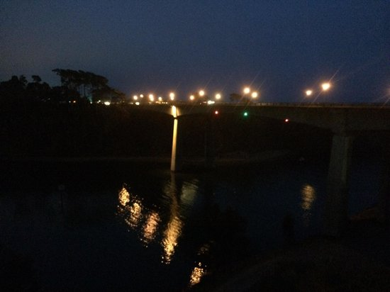 Harbor Lite Lodge : View from the room at night