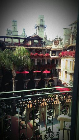 The Mission Inn Hotel and Spa: Outside of room