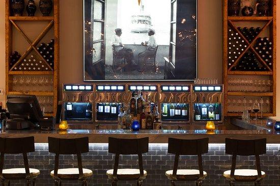 Jimmy's Taverna: Jimmy's Bar