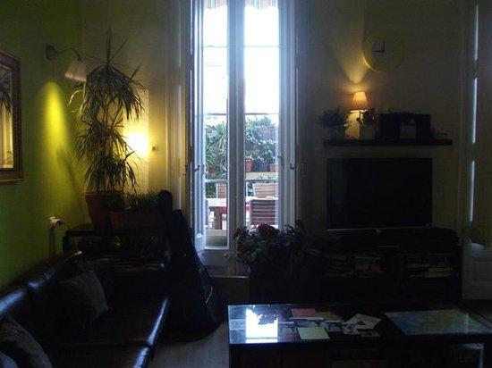Barcelona Central Garden Hostel: Sala de Estar