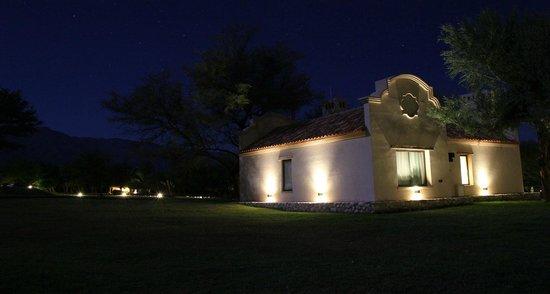 Casa de campo de noche picture of arabela casas de campo villa las rosas - Casa en el campo ...