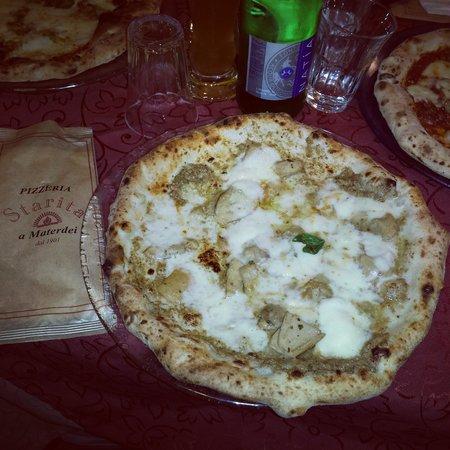 Pizzeria Starita a Materdei : pizza tartufo e porcini eccezionale