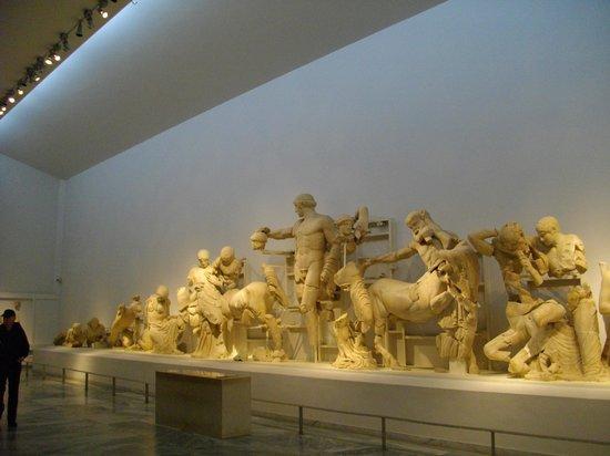 Archäologisches Museum Olympia: interior del museo