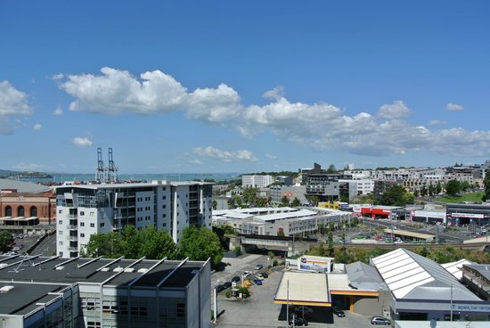 Copthorne Hotel Auckland City: view from the balcony of our east-facing room