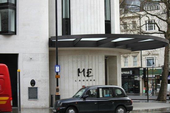 ME London: Frente del hotel