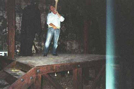 Museo Historico de Cartagena de Indias : patibolo palazzo dell'inquisizione