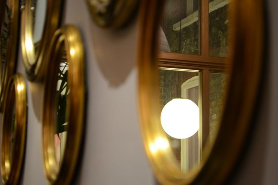 Mansion Bar and Parlour: Wall of mirrors