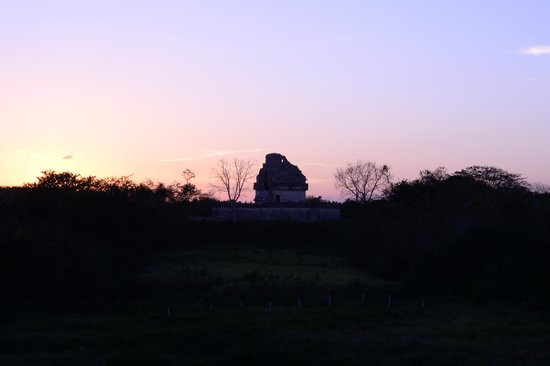 Hotel & Bungalows Mayaland: Sunset over the Observatory