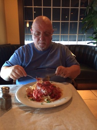 Little Italy: Spaghetti with Italian sausages