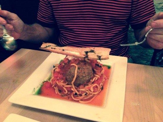 Cassariano Italian Eatery : Spaghetti con Polpette di Agnello