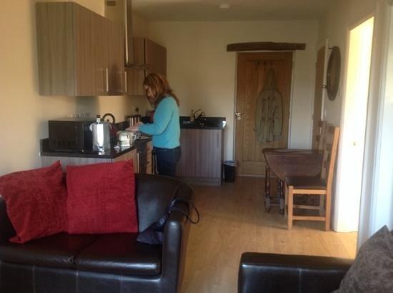 Romneys: Lounge/Kitchen